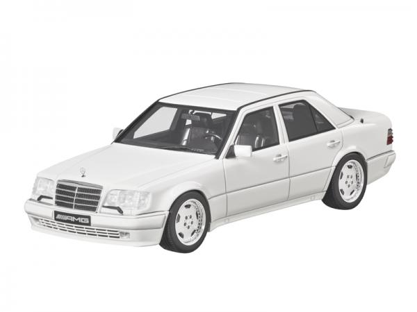 Mercedes-AMG E 60 (W124) LIMITIERT GT-Spirit 1:18 weiß