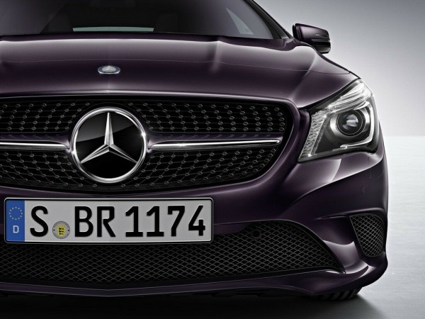 Mercedes-Benz Kühlergrill Diamant CLA C117 X117 2016 (bis Code806) A1178801503